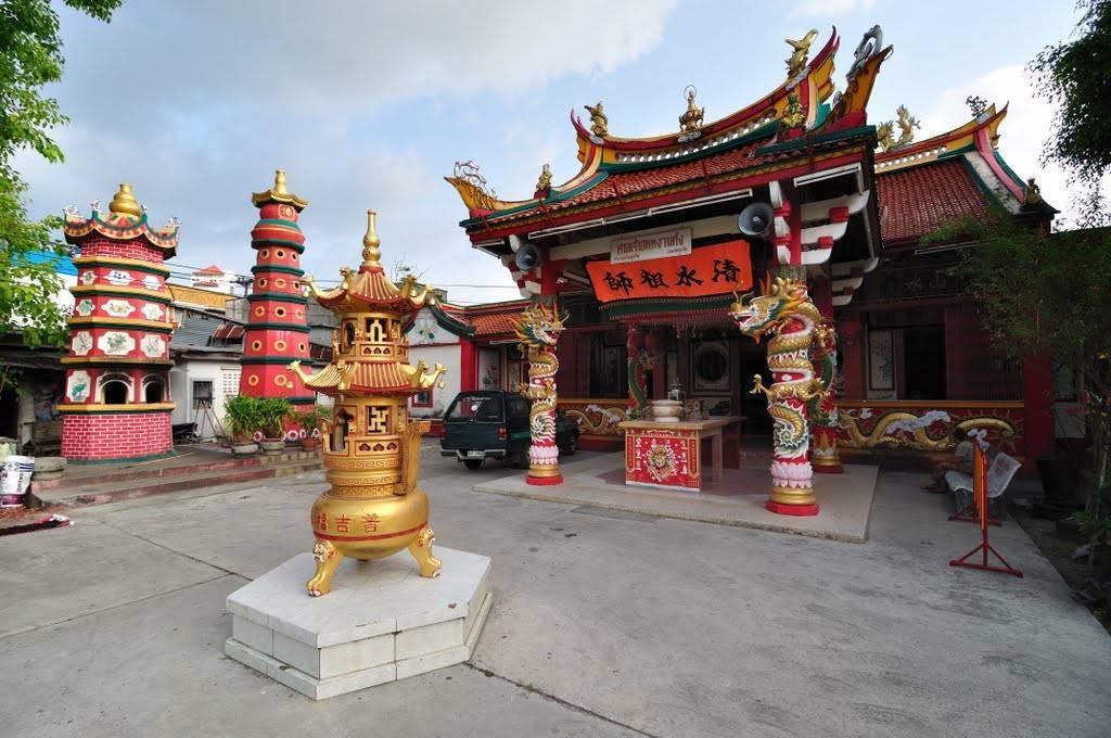 Храм суван кхири кет, пхукет, карон, таиланд. отели рядом на карте, фото, видео, статуи, как добраться — туристер.ру