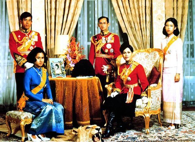 Король таиланда пхумипон адульядет: биография и семья :: syl.ru