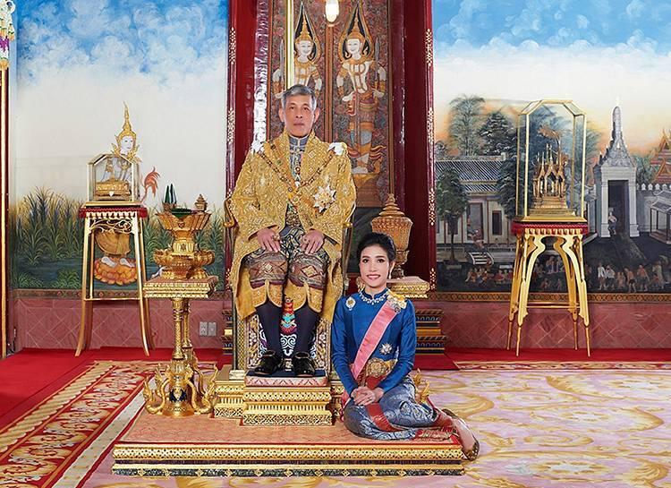 6 странностей короля таиланда