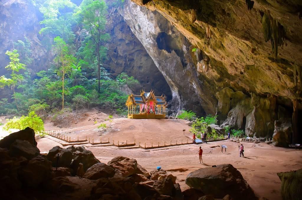 Курортный город хуахин в таиланде | мировой туризм
