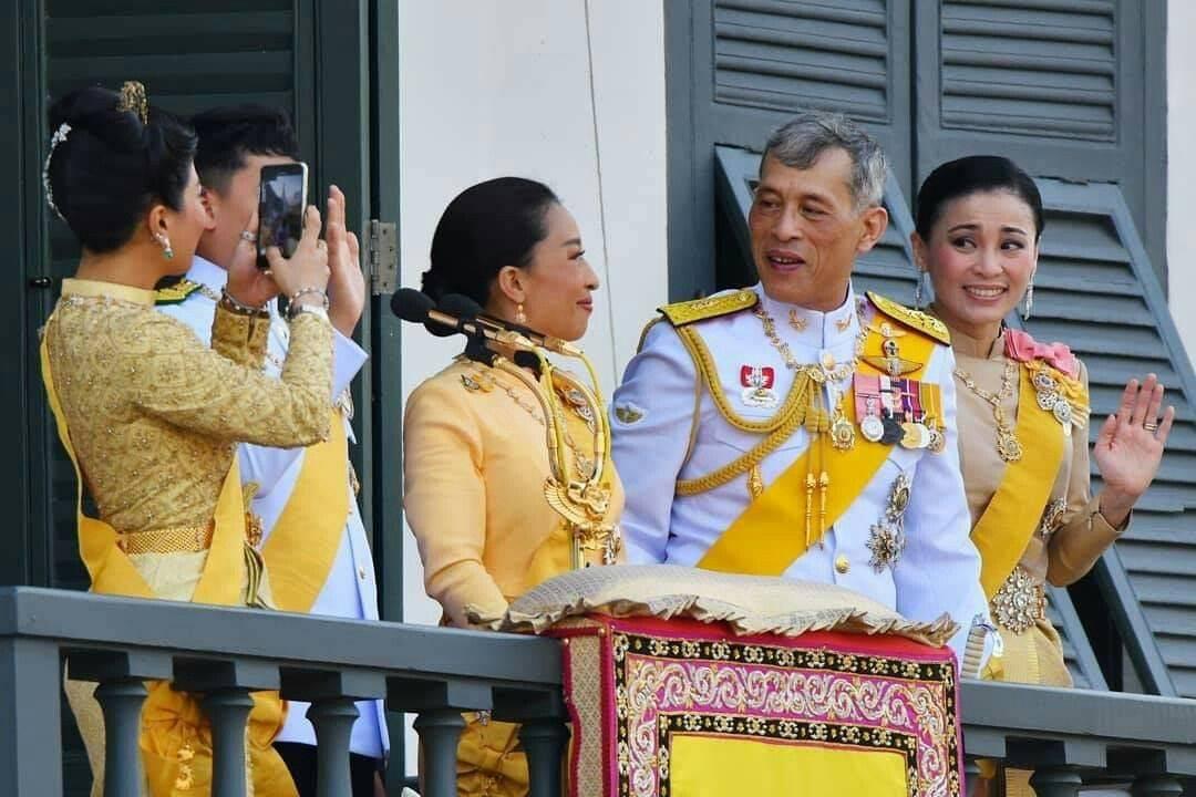 Король таиланда и его семья - всё о тайланде