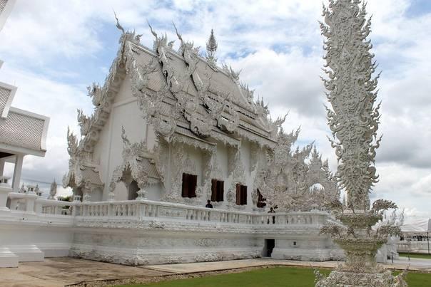 Белое чудо таиланда: буддистский храм ват ронг кхун, не похожий ни на что в мире