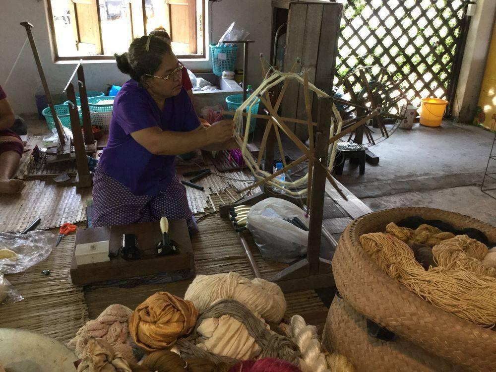 Интересные статьи о таиланде. волшебство тайских ремесел или как и где делать покупки. - orient travel