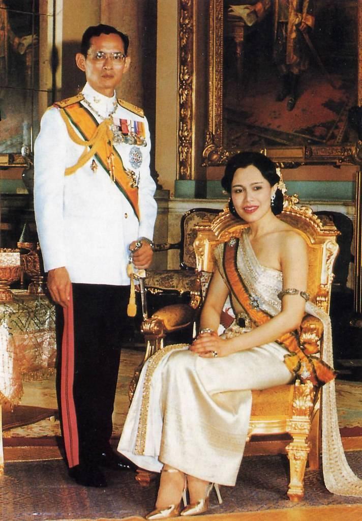 Королевская семья и король таиланда маха вачиралонгкон