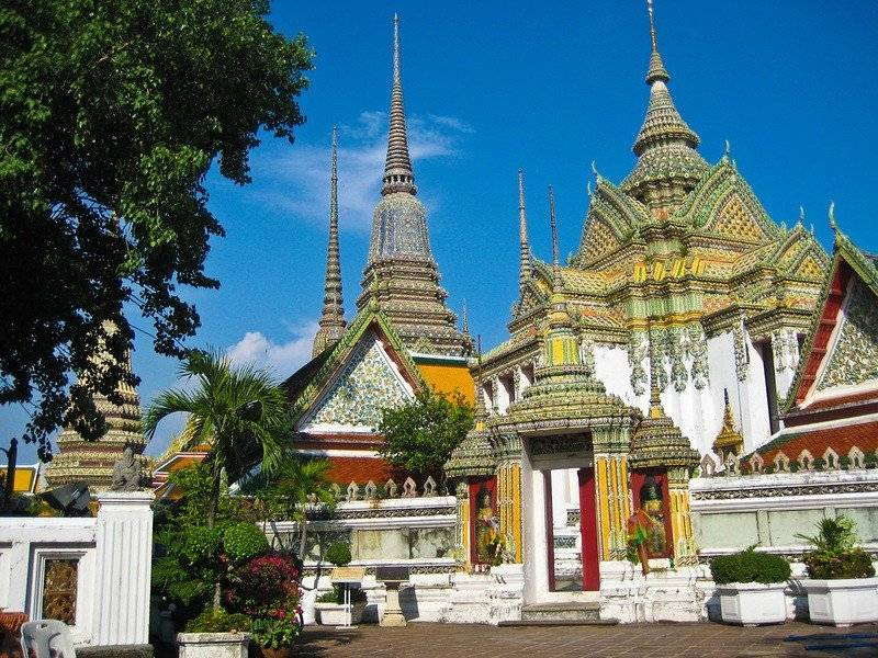 Посещаем храм лежащего будды в центре бангкока