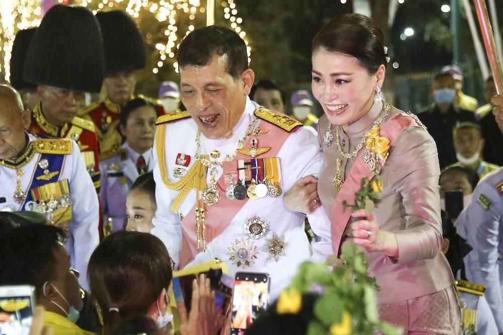 Топ 6 странностей короля таиланда: фото, факты